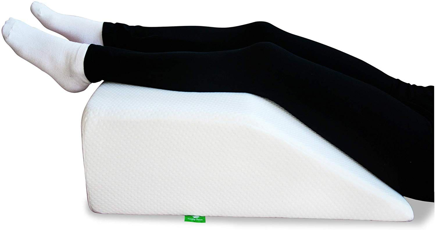 Cushy Form Best Leg Pillow review by www.dailysleep.org