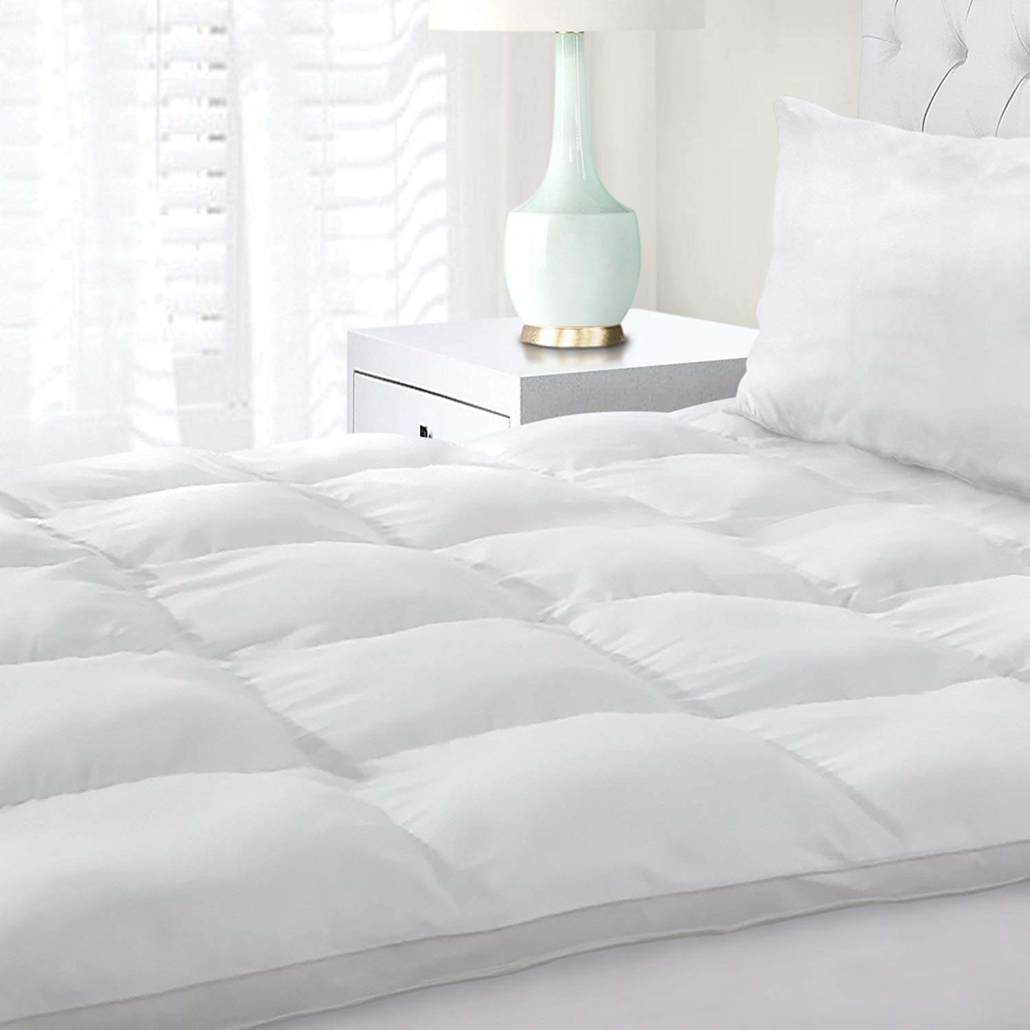 Superior Best Feather Mattress Topper review by www.dailysleep.org