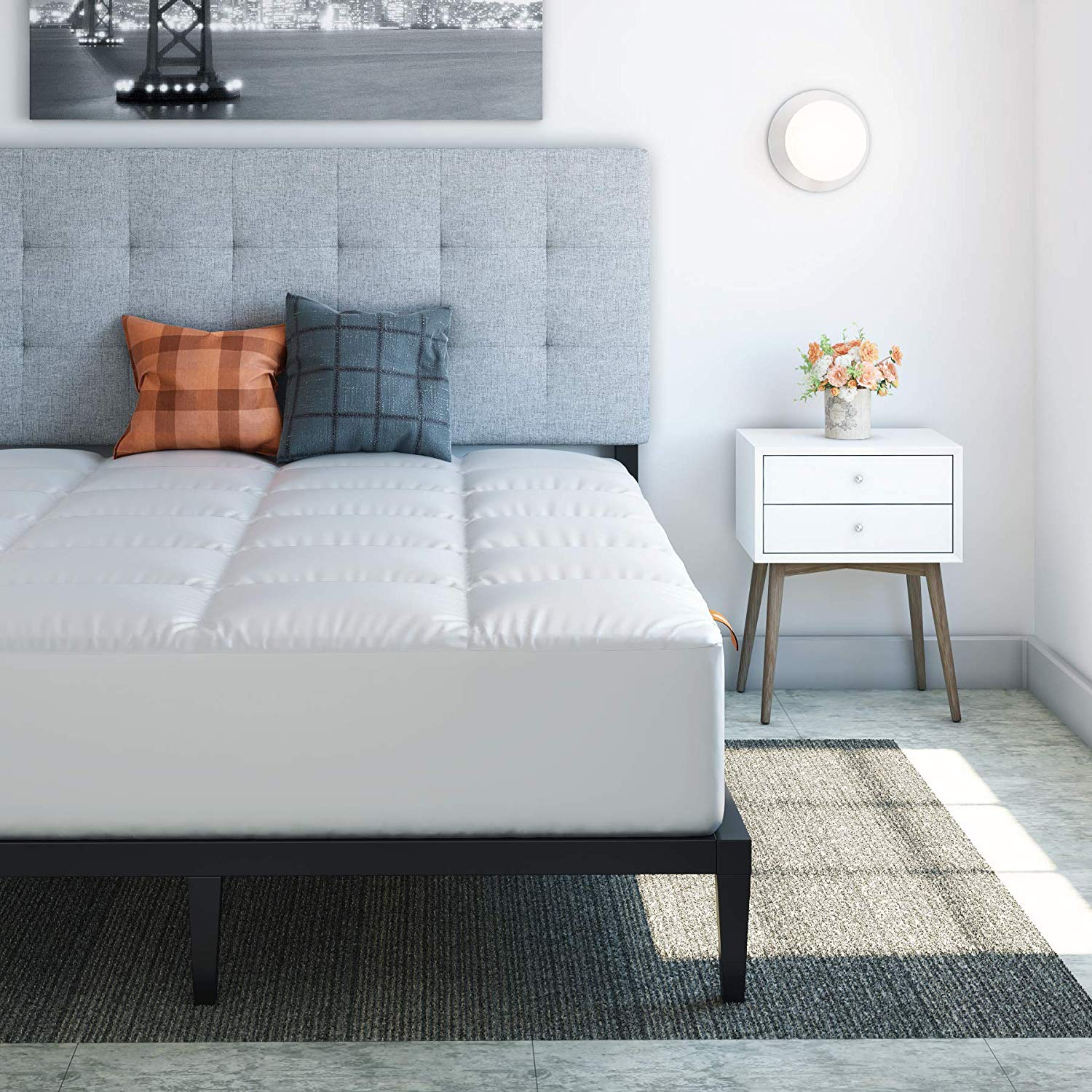 Hospitology Products best mattress pad review by www.dailysleep.org