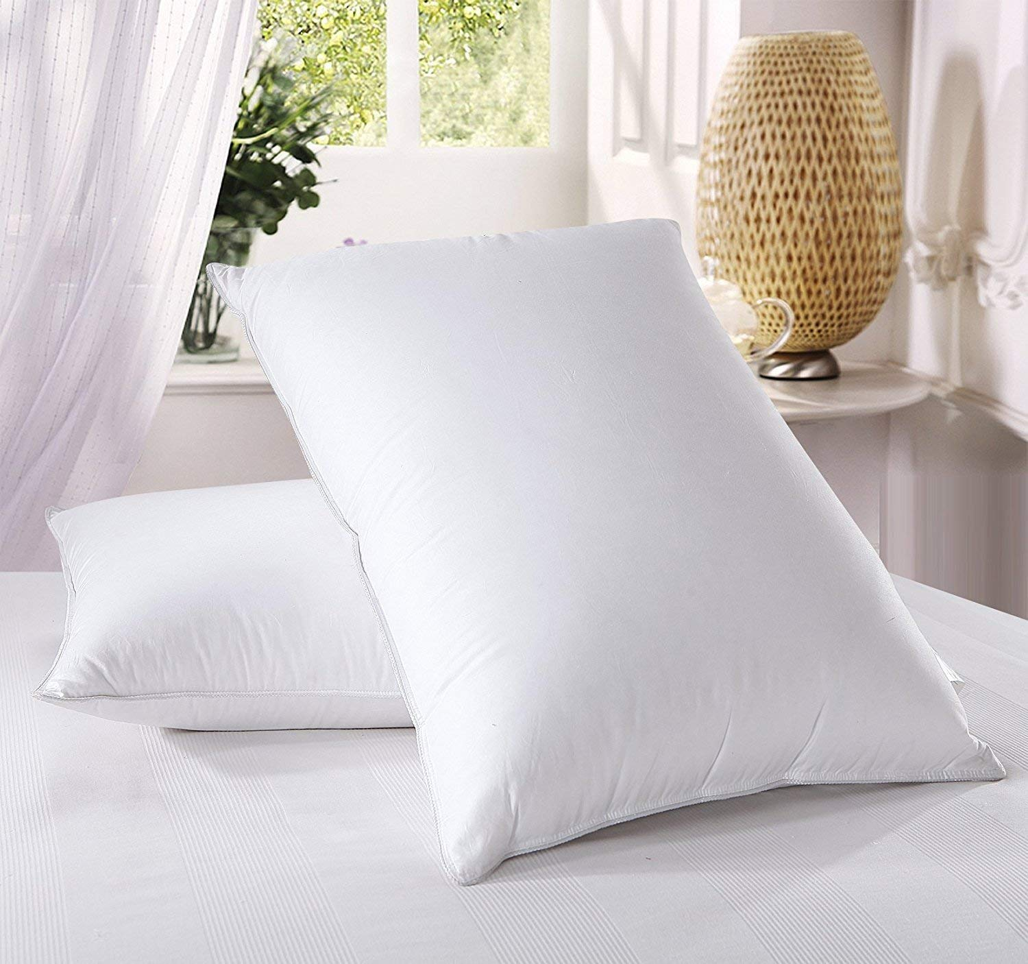 Royal Bedding best down pillows review by www.dailysleep.org