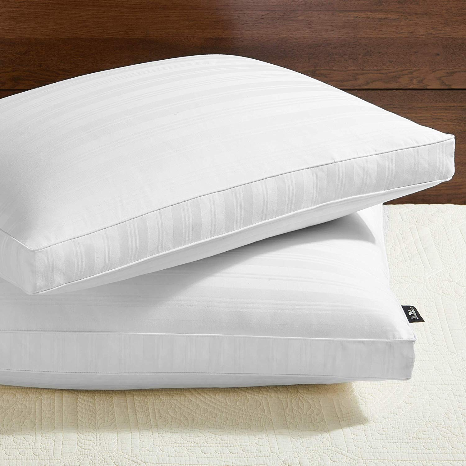 downluxe best down pillows review by www.dailysleep.org