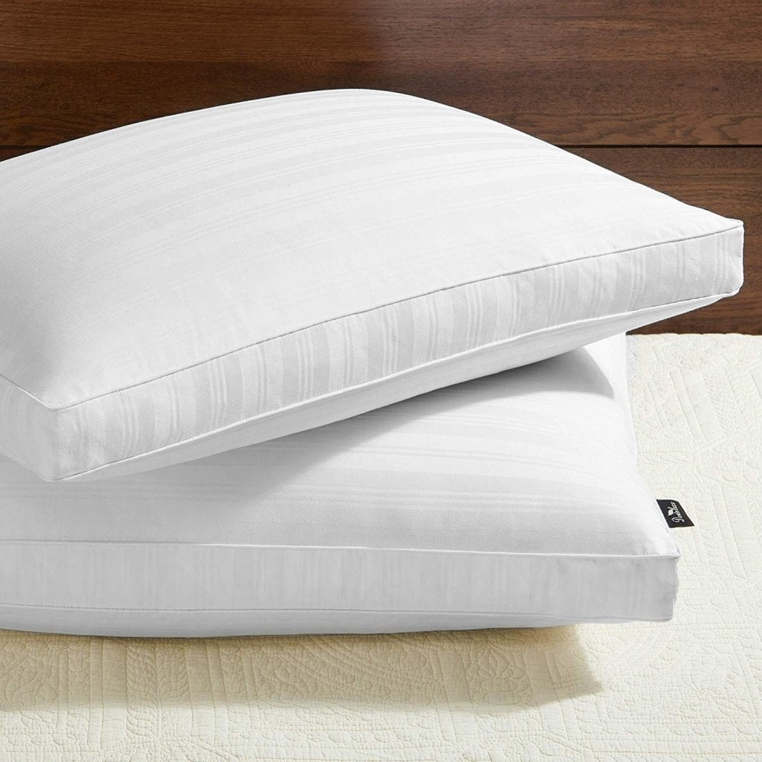 downluxe best organic pillows reviews and buying guide by www.dailysleep.org