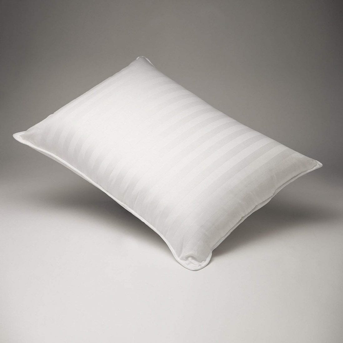 FineFeather 100% Hungarian White Goose Down Pillow Review and Buying Guide by www.dailysleep.com