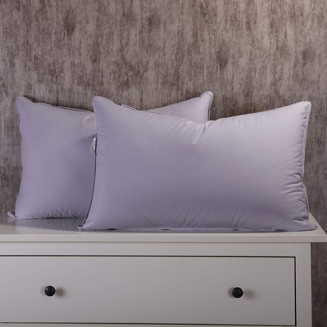 Unite Duck Down Pillow Review and Buying Guide by www.dailysleep.com